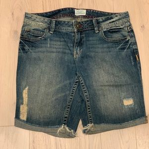 Cute faded Bermuda cut Aeropostale denim shorts